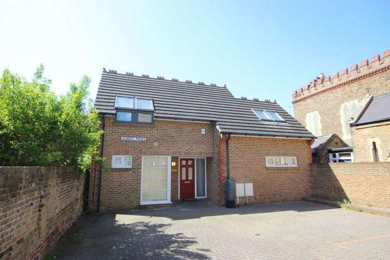 3 Bedrooms Detached House for sale in Albert Mews, Margate