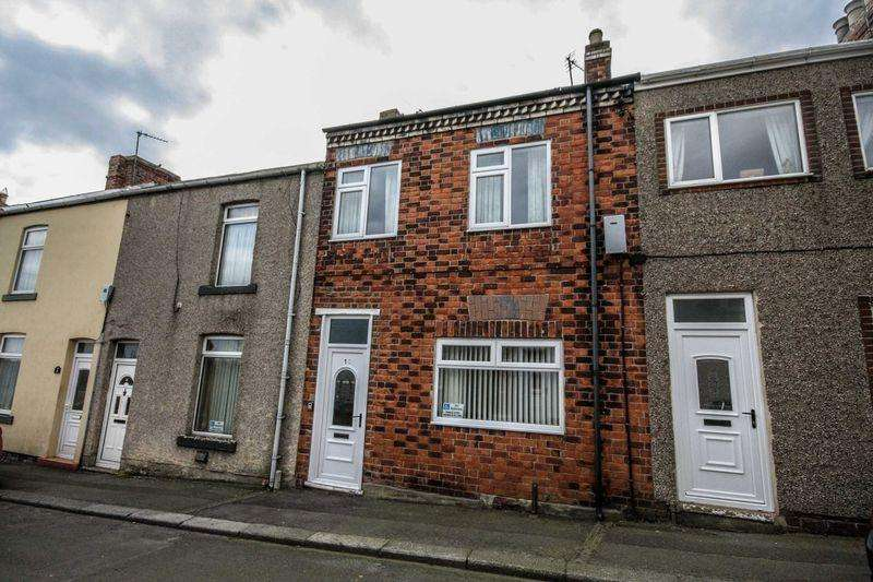 3 Bedrooms Terraced House for sale in Trout Hall Lane, Skelton Green