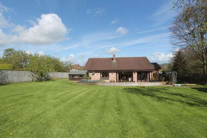 4 Bedrooms Detached Bungalow for sale in High Park, Paulton, Bristol