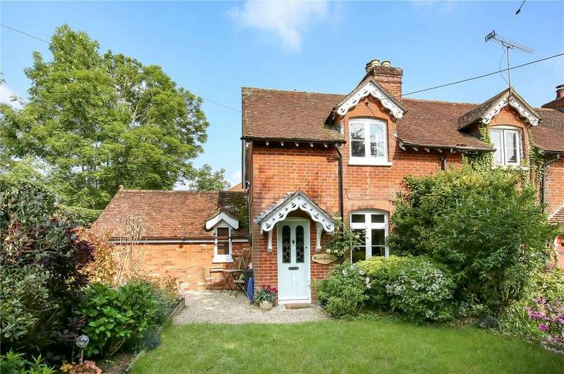 3 Bedrooms Semi Detached House for sale in Braishfield Road, Romsey, Hampshire, SO51