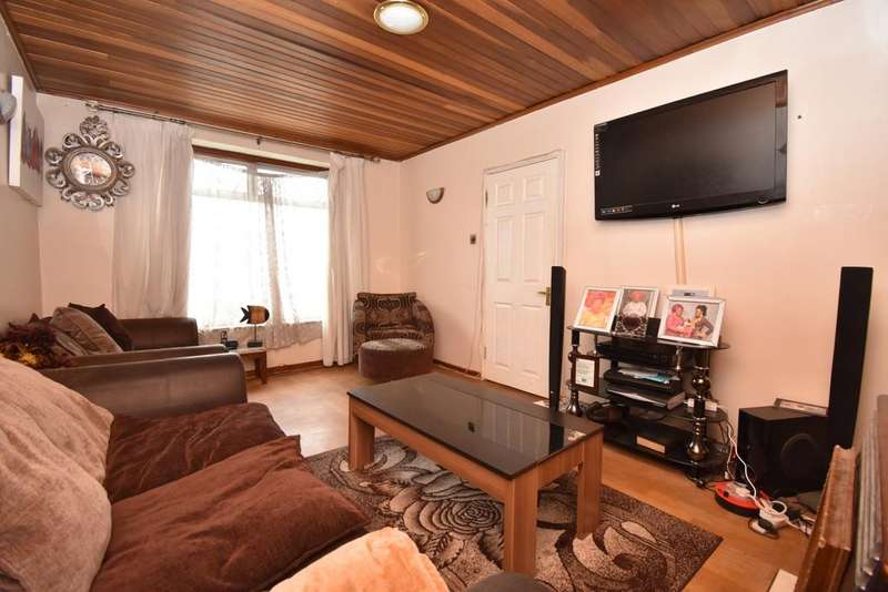 3 Bedrooms Terraced House for sale in Finchale Road London SE2