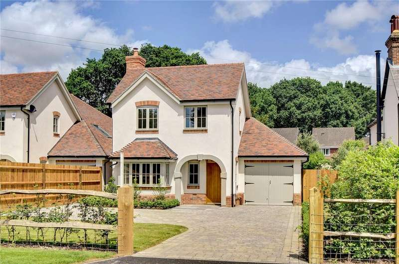 4 Bedrooms Detached House for sale in Blacksmith Cottages, Station Road, Liss, Hampshire
