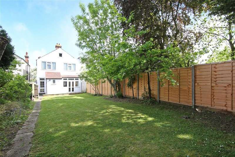 3 Bedrooms Semi Detached House for sale in Hilldown Road, Streatham, SW16