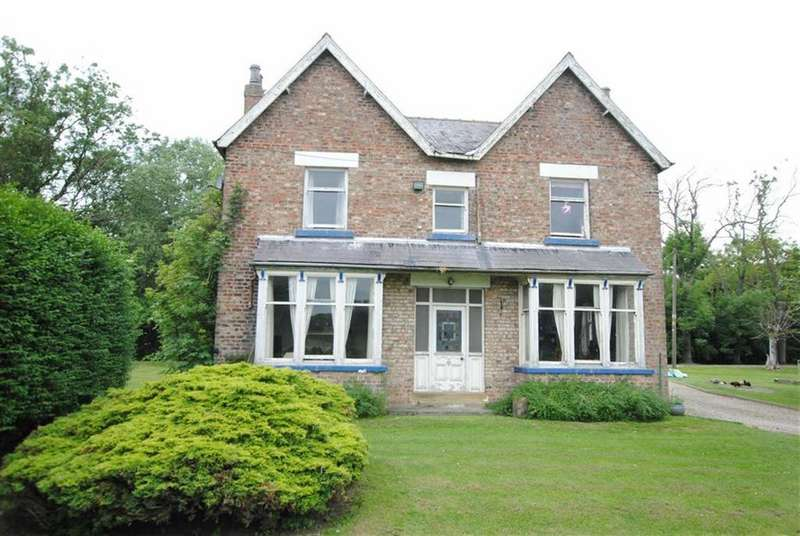 5 Bedrooms Detached House for sale in Fleet Lane, Tockwith, YO26