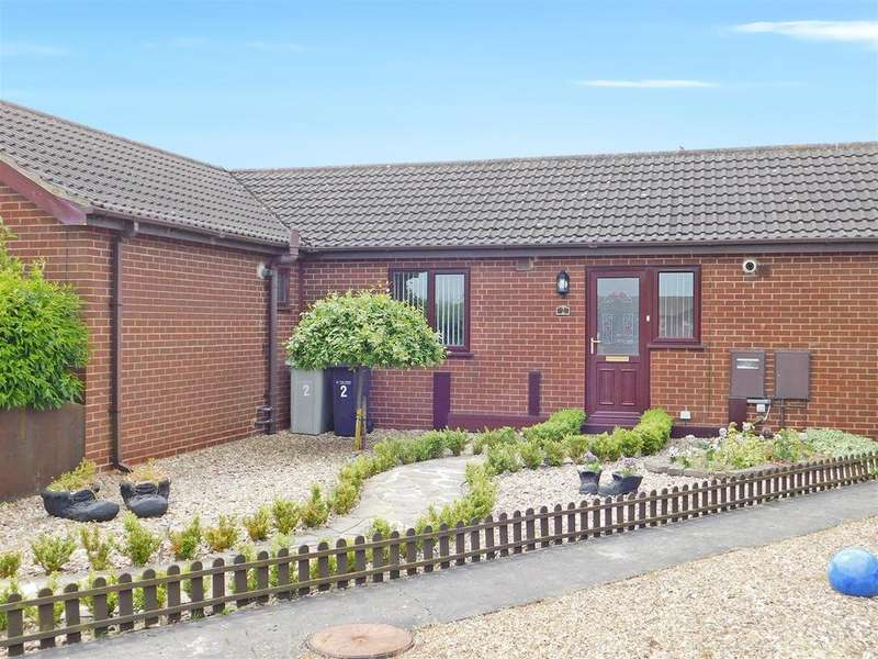 2 Bedrooms Terraced Bungalow for sale in Scotts Close, Skegness, PE25 1SS