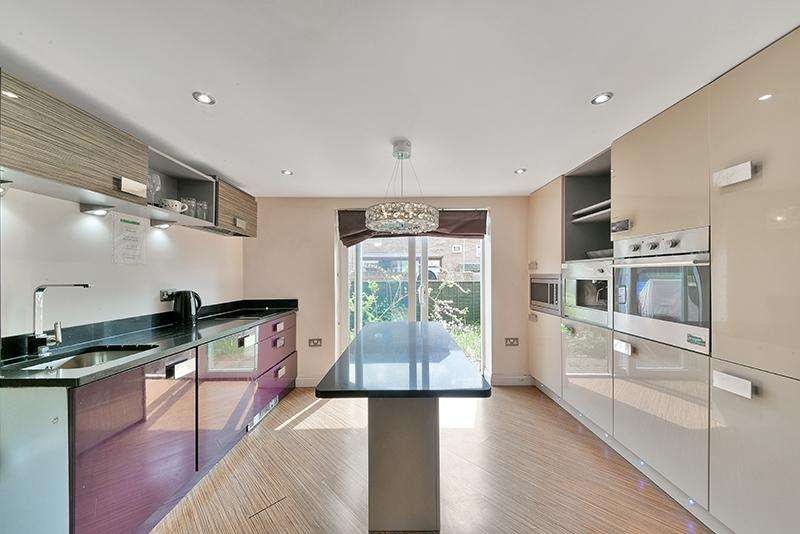 4 Bedrooms House for sale in Empire Wharf,Docklands, London E14