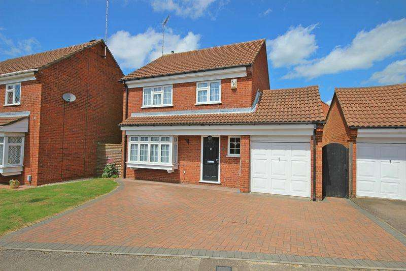 4 Bedrooms Detached House for sale in Cromer way, Bushmead, Luton
