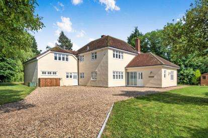 5 Bedrooms Detached House for sale in Little Waltham, Chelmsford, Essex