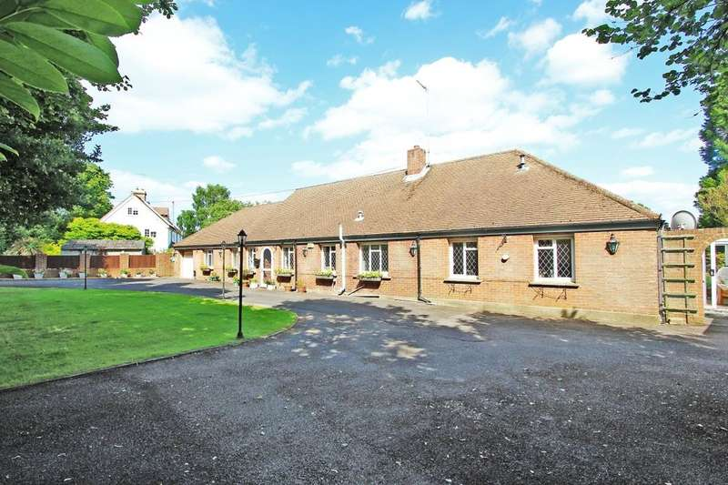 4 Bedrooms Detached Bungalow for sale in Priestwood Road, Meopham, Gravesend, DA13