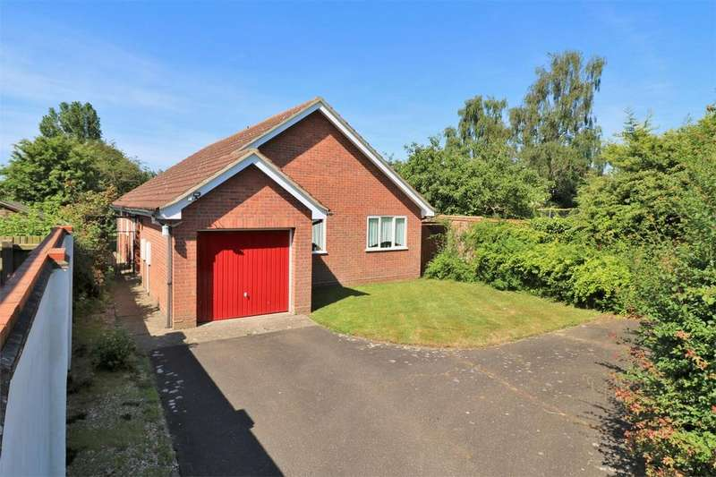 3 Bedrooms Detached Bungalow for sale in Wilbye Close, Colchester, Essex