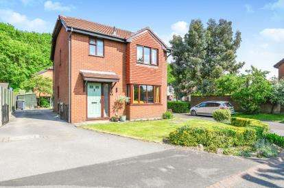 3 Bedrooms Detached House for sale in Applecross Close, Birchwood, Warrington, Cheshire