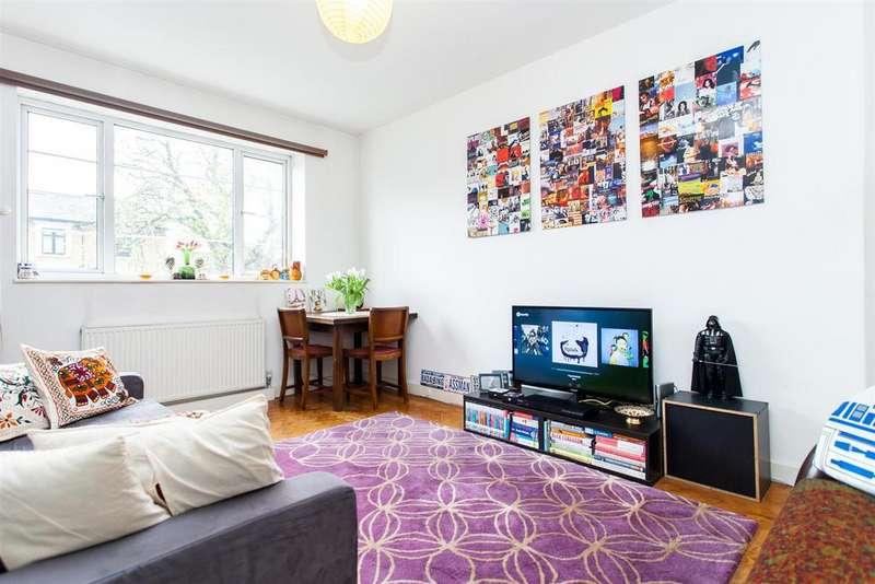 1 Bedroom Flat for sale in Highbury Grove, London