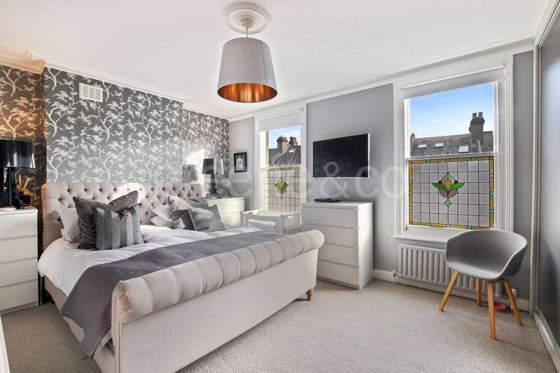 3 Bedrooms Flat for sale in Burghley Road, Kentish Town, London, NW5