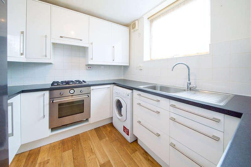 1 Bedroom Flat for sale in Beardsfield, London, E13