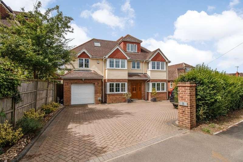 6 Bedrooms Detached House for sale in Matthewsgreen Road, Wokingham, Berkshire RG41