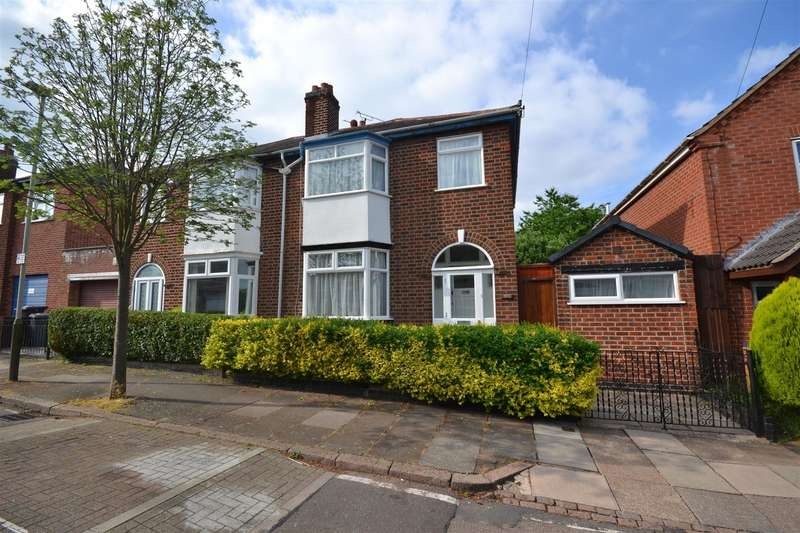 3 Bedrooms Property for sale in Cambridge Street, West End, Leicester, Leicestershire