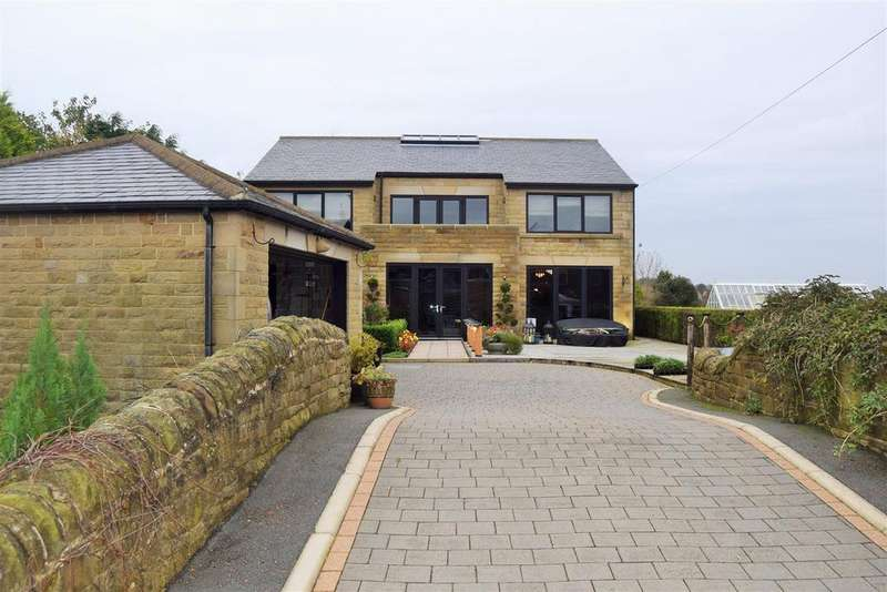 4 Bedrooms Detached House for sale in Wade House Avenue, Halifax