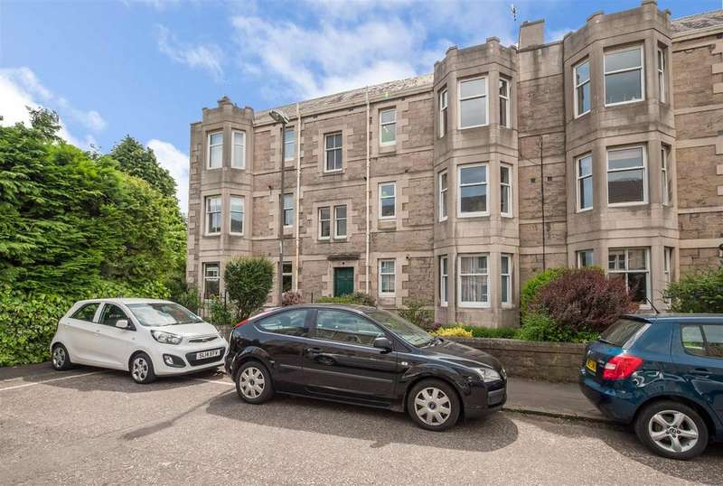 2 Bedrooms Flat for sale in Rosebank Grove, Edinburgh