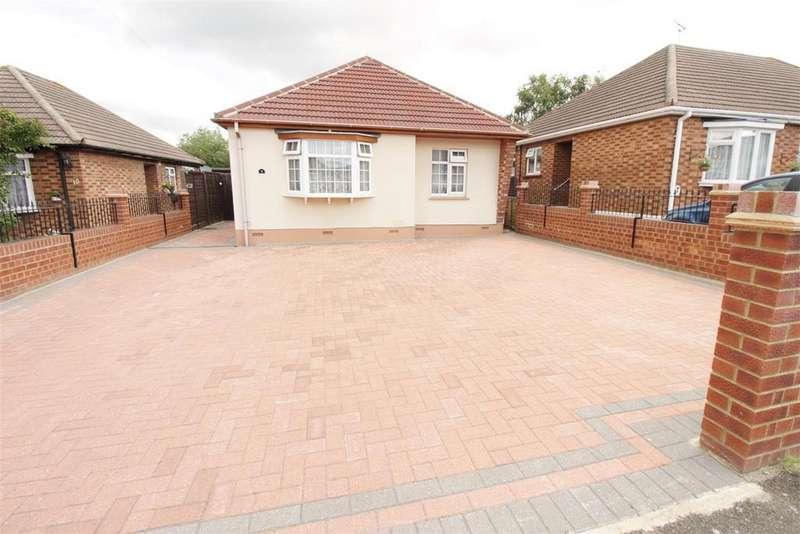 2 Bedrooms Detached Bungalow for sale in Barncombe Close, Benfleet