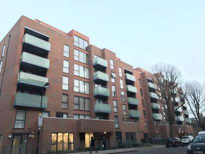 2 Bedrooms Flat for sale in Butterfly Court, Lawrence Road, Haringey, London