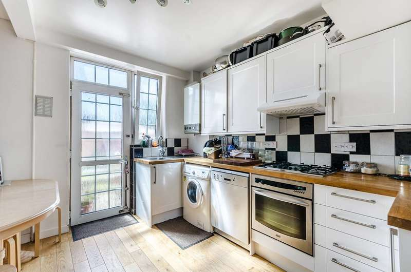4 Bedrooms Terraced House for sale in Perry Hill, Forest Hill, SE6