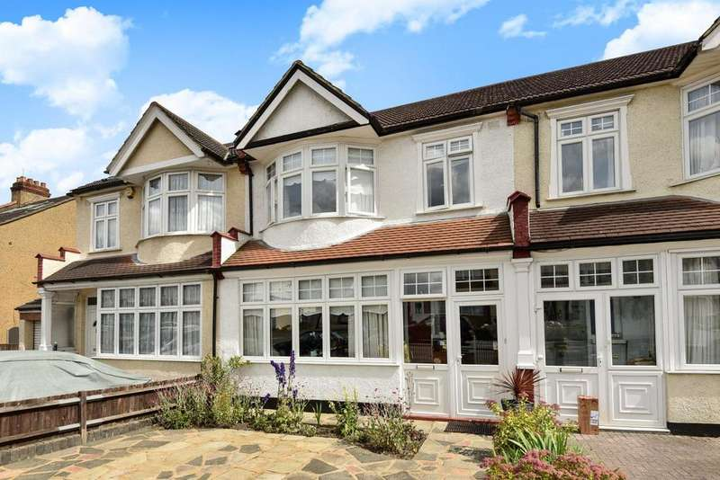 3 Bedrooms Terraced House for sale in Chesham Road, Penge