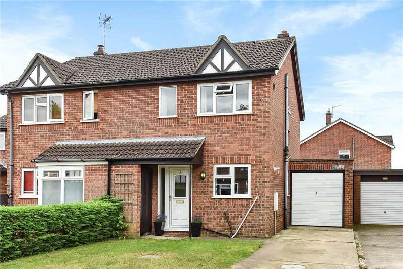 3 Bedrooms Semi Detached House for sale in Pingle Close, Coningsby, LN4
