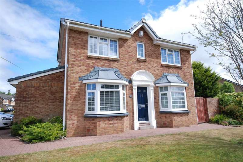 4 Bedrooms Detached House for sale in Crannog Way, Kilwinning