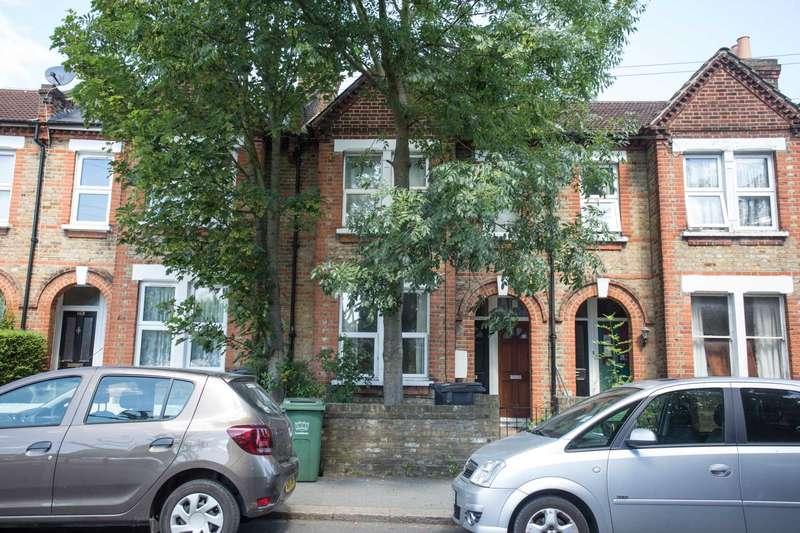 1 Bedroom Flat for sale in Adamsrill Road, London