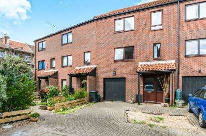4 Bedrooms Terraced House for sale in Rownham Mead, Bristol