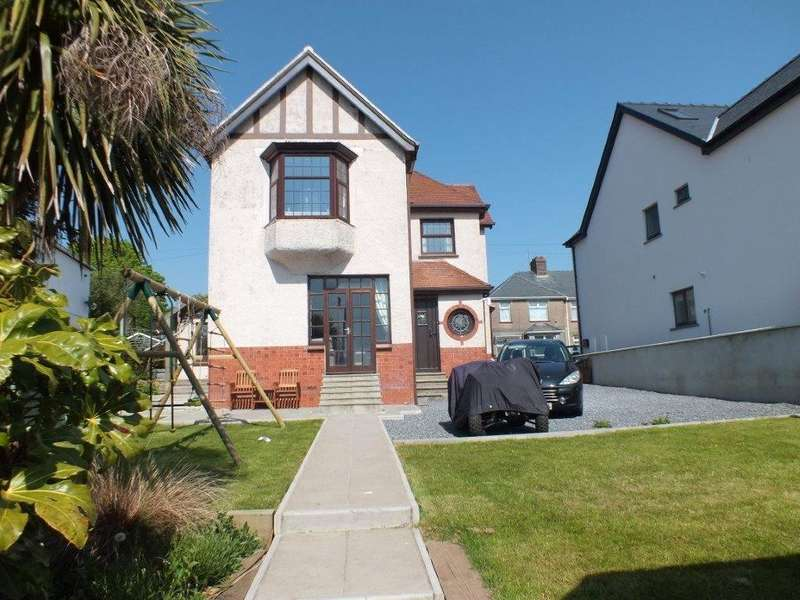 3 Bedrooms Detached House for sale in Valley Head, Hayston Avenue, Hakin, Milford Haven