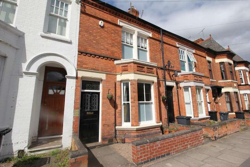 3 Bedrooms Town House for sale in Stretton Road, Leicester
