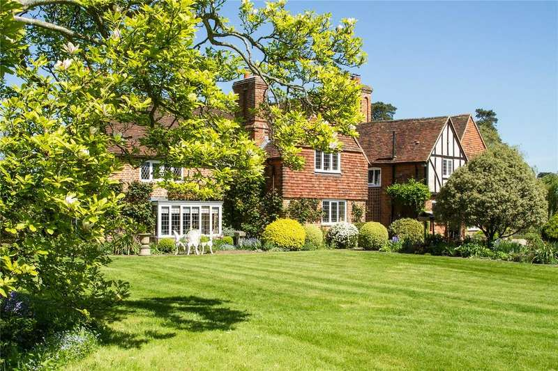 6 Bedrooms Country House Character Property for sale in Crown Lane, Newnham, Hook, Hampshire