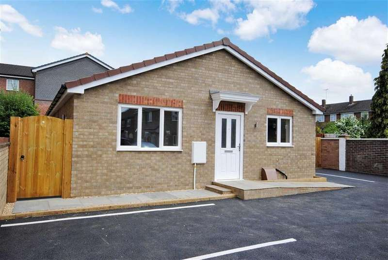 3 Bedrooms Detached Bungalow for sale in Vandyke Road, Leighton Buzzard