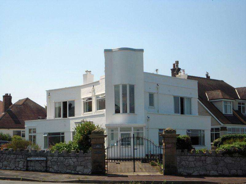 6 Bedrooms Detached House for sale in Marine Drive, Colwyn Bay