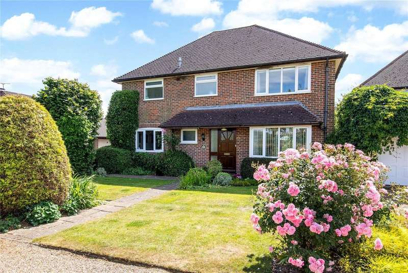 4 Bedrooms Detached House for sale in Ridge View, Marshcroft Lane, Tring, Hertfordshire, HP23