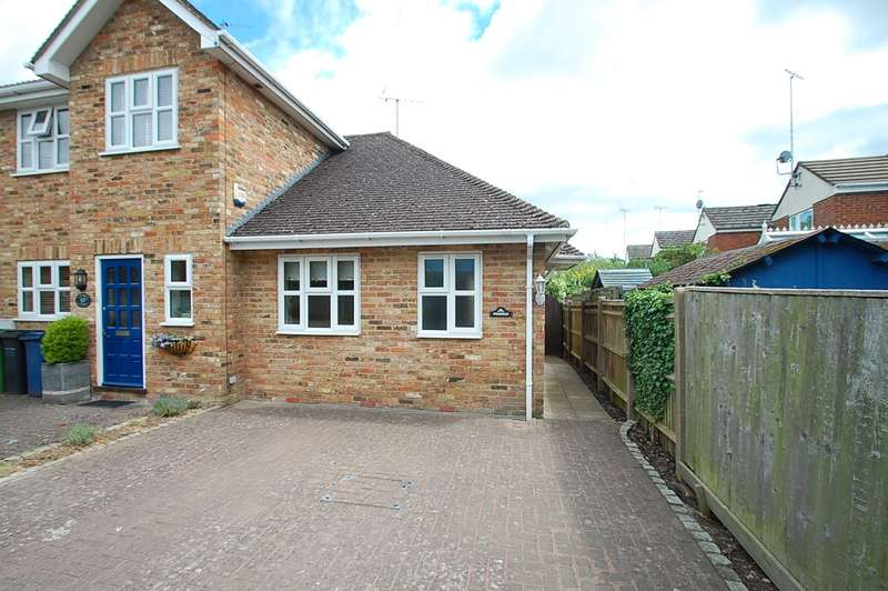 1 Bedroom Terraced Bungalow for sale in Church Lane, Chalfont St. Peter, SL9