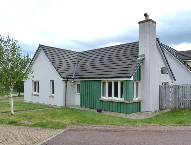 3 Bedrooms Bungalow for sale in Mitchell Road, Aviemore, PH22 1SH