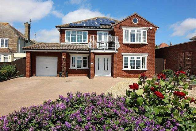 4 Bedrooms Detached House for sale in Marine Parade East, Clacton on Sea
