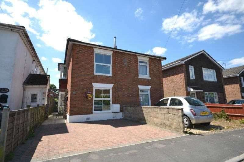3 Bedrooms Semi Detached House for sale in Almatade Road, Southampton