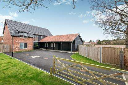 5 Bedrooms Detached House for sale in Wymondham, Norfolk
