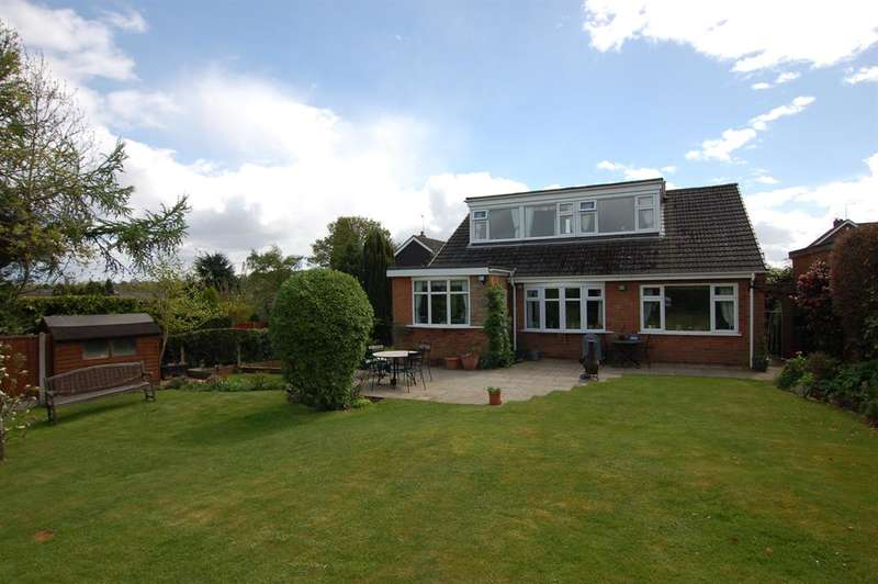 4 Bedrooms Detached House for sale in White Oak Drive, Kingswinford, DY6 9QN