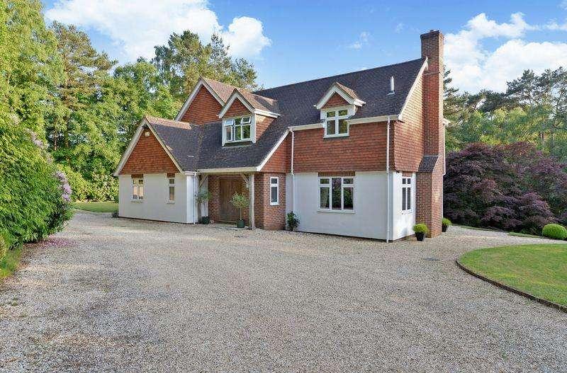 5 Bedrooms Detached House for sale in Grayshott