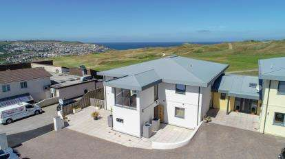 2 Bedrooms Flat for sale in Perranporth, Cornwall