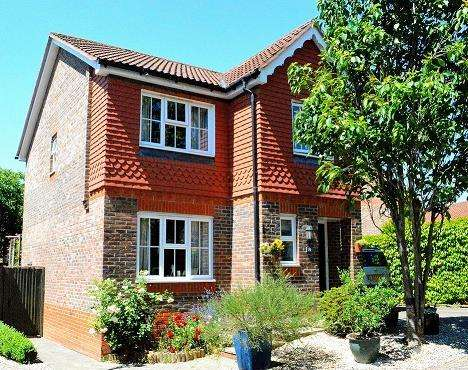 3 Bedrooms Detached House for sale in Newbury, Berkshire, RG14