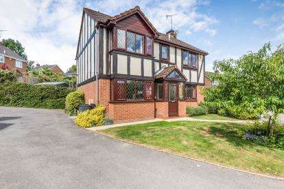 4 Bedrooms Detached House for sale in Snowberry Avenue, Warndon Villages, Worcester, Worcestershire