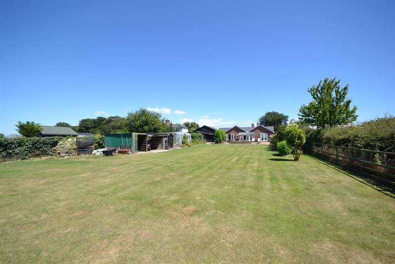4 Bedrooms Bungalow for sale in Manor Road, Dengie, Southminster