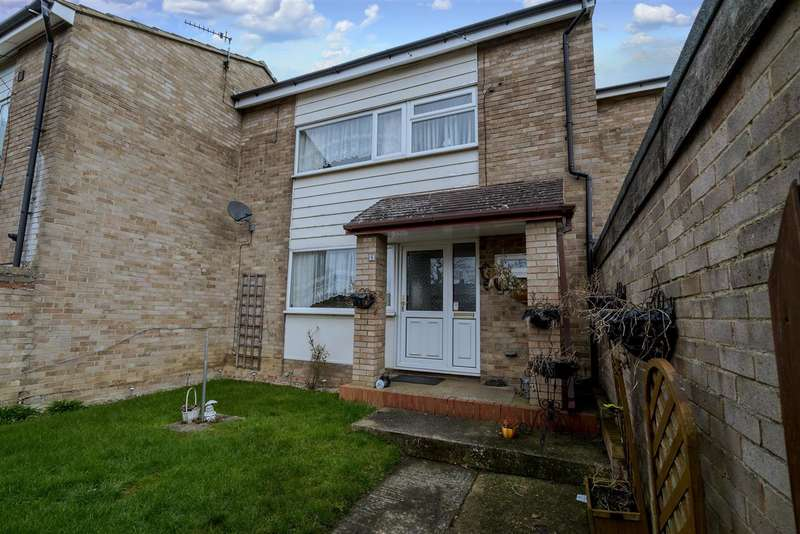 3 Bedrooms Terraced House for sale in Dryden Close, Aylesbury