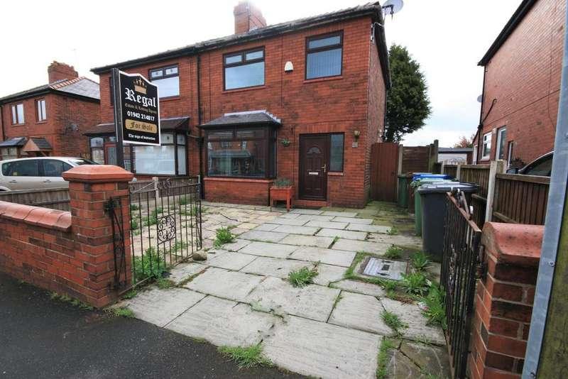 3 Bedrooms Semi Detached House for sale in Smethurst Lane, Pemberton, Wigan, WN5 8BG