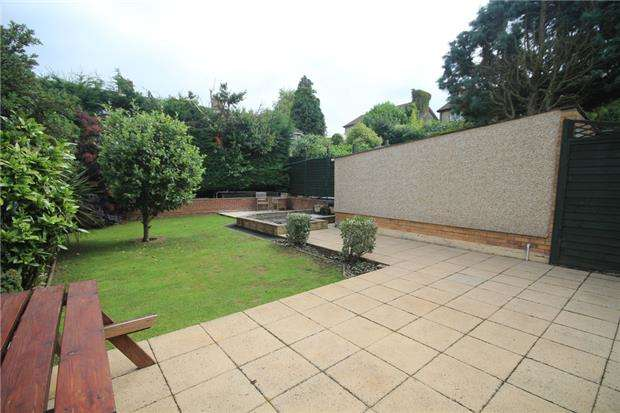 4 Bedrooms Detached House for sale in Downfield Drive, Frampton Cotterell, BRISTOL, BS36 2EQ